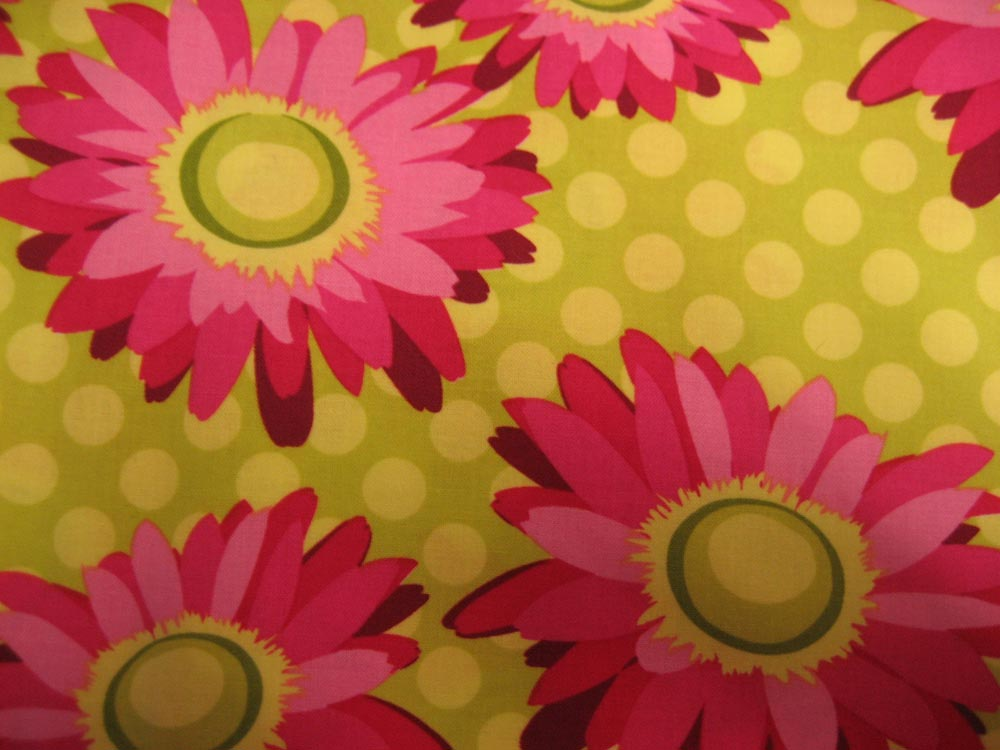 hot pink daisy dot